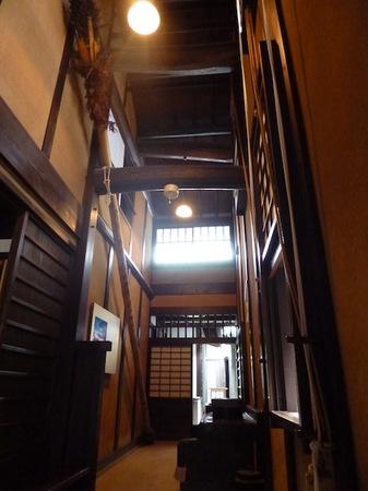 072格子の家4.JPG