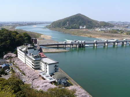 703国宝犬山城2.JPG